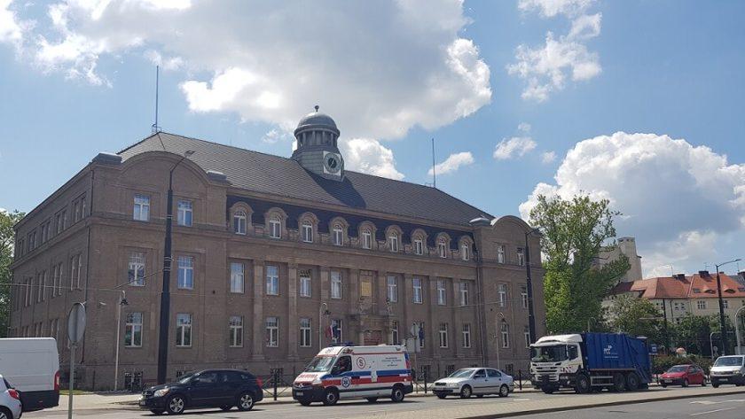 Urząd Miasta Zabrze , widok z ul. Religii